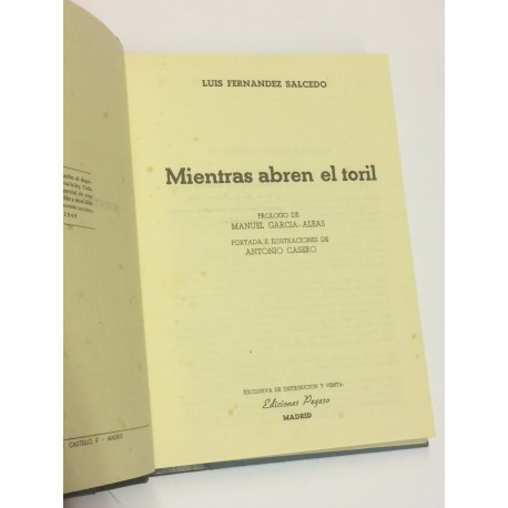 Mientras abren el toril. Prólogo de Manuel García-Aleas.