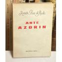 Ante Azorín.